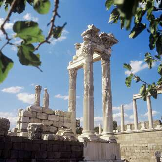 Der Trajantempel in Pergamon (UNESCO-Welterbe)